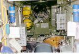 Interiér modulu Zvezda po otevření průlezu (13.09.2000)