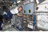 Perrin v modulu Destiny u evropského MSG (09.06.2002)