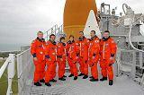 Posádka STS-114 při TCDT (04.05.2005)
