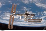 Stanice ISS při odletu raketoplánu Discovery STS-116 (19.12.2006)