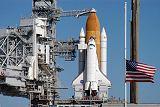 Raketoplán Discovery STS-116 na rampě LC-39B před startem (20.11.2006)