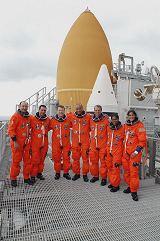 Posádka STS-116 při TCDT (15.11.2006)