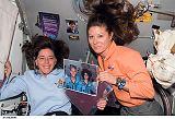 B.Morganová a T.Caldwellová na stanici ISS (16.08.2007)