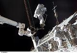 Anderson při výstupu EVA-3 (15.08.2007)