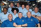 Společná fotografie posádek na ISS (18.08.2007)