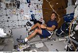 Acaba na obytné palubě raketoplánu Discovery STS-119 (20.03.2009)