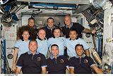 Společná fotografie obou posádek na ISS (24.03.2009)