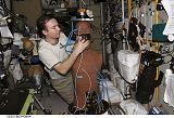 Lončakov v modulu Zvezda u experimentu Matrjoška-R (18.03.2009)