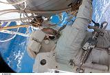 Wheelock při výstupu EVA-3 (30.10.2007)