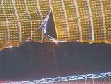 Poškozený solární panel na ITS-P6 (30.10.2007)