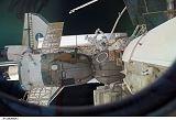 Sojuz, Dextre (na Destiny) a raketoplán Endeavour u ISS (21.03.2008)