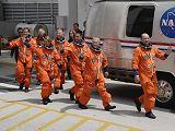 Posádka STS-127 krátce před startem (15.07.2009)