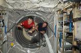 Nespoli a Vittori v nákladní lodi ATV-2 (26.05.2011)