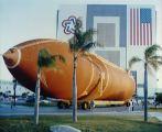 Přesun nádrže ET do VAB pro let STS-27 (16.05.1988)