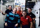 Společná fotografie posádky na oběžné dráze (09.10.1990)