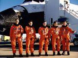 Posádka Discovery STS-41 po přistání na Edwards AFB (10.10.1990)