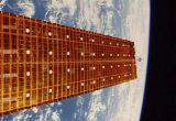Prototyp solárního panelu SAE rozložený na plnou délku 31 m (02.09.1984)