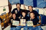 Tradiční společná fotografie posádky na oběžné dráze (15.11.1984)