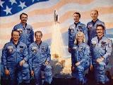 Posádka STS-51-D