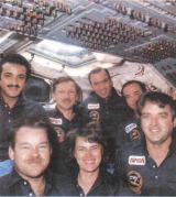 Posádka letu Discovery strávila společně 169 hodin a 40 minut