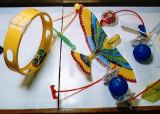 Hračky, připravené pro výuku při letu STS-54 (13.01.1993)