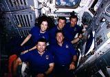 Společná fotografie posádky na oběžné dráze (11.04.1993)