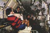 Posádka při práci ve Spacelabu IML-2 (20.07.1994)