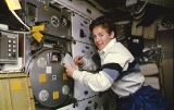 Lawrence[ová] u experimentu PCG (04.03.1995)