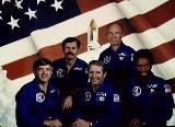 Posádka STS-8