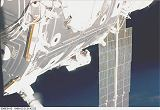 Newman na okraji Unity při EVA-3 (12.-13.12.1998)