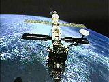 Komplex ISS po odpojení Discovery STS-92 (20.10.2000) - NASA TV