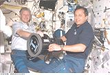 Hawley a Tognini s přístrojem SWUIS (25.07.1999)