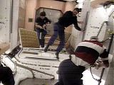 Kosmonauti po vstupu do ISS (31.05.1999) - NASA TV