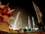 Start Endeavour STS-97 snímaný z raketového parku na KSC (01.12.2000)