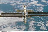 Vzhled ISS při odletu STS-97 - pohled zepředu shora (09.12.2000)