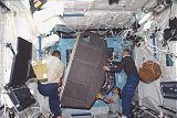 Instalace racku v Destiny (11.02.2001)