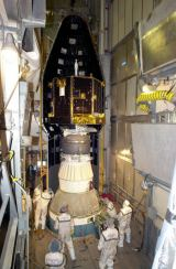 Předstartovní příprava sondy CONTOUR