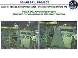 Zkouška rozevírání jedné z osmi lopatek sluneční plachetnice Cosmos 1